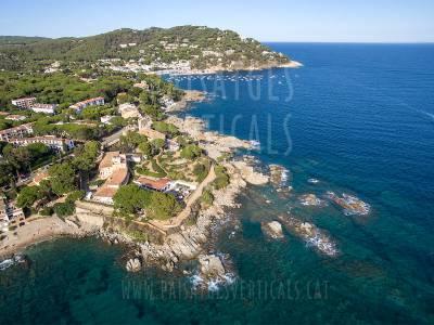 Paisajes Verticales - Fotografía aérea - PROMOCIÓN TURÍSTICA (Hotel en Calella de Palafrugell)