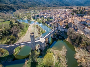 Vertical Landscapes - Aerial Photography – LANDSCAPE AND NATURE (Besalú)