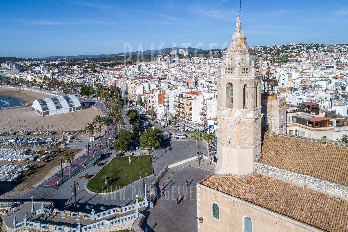 Iglesia de Sant Bartomeu i Santa Tecla, de Sitges (Garraf, Barcelona)