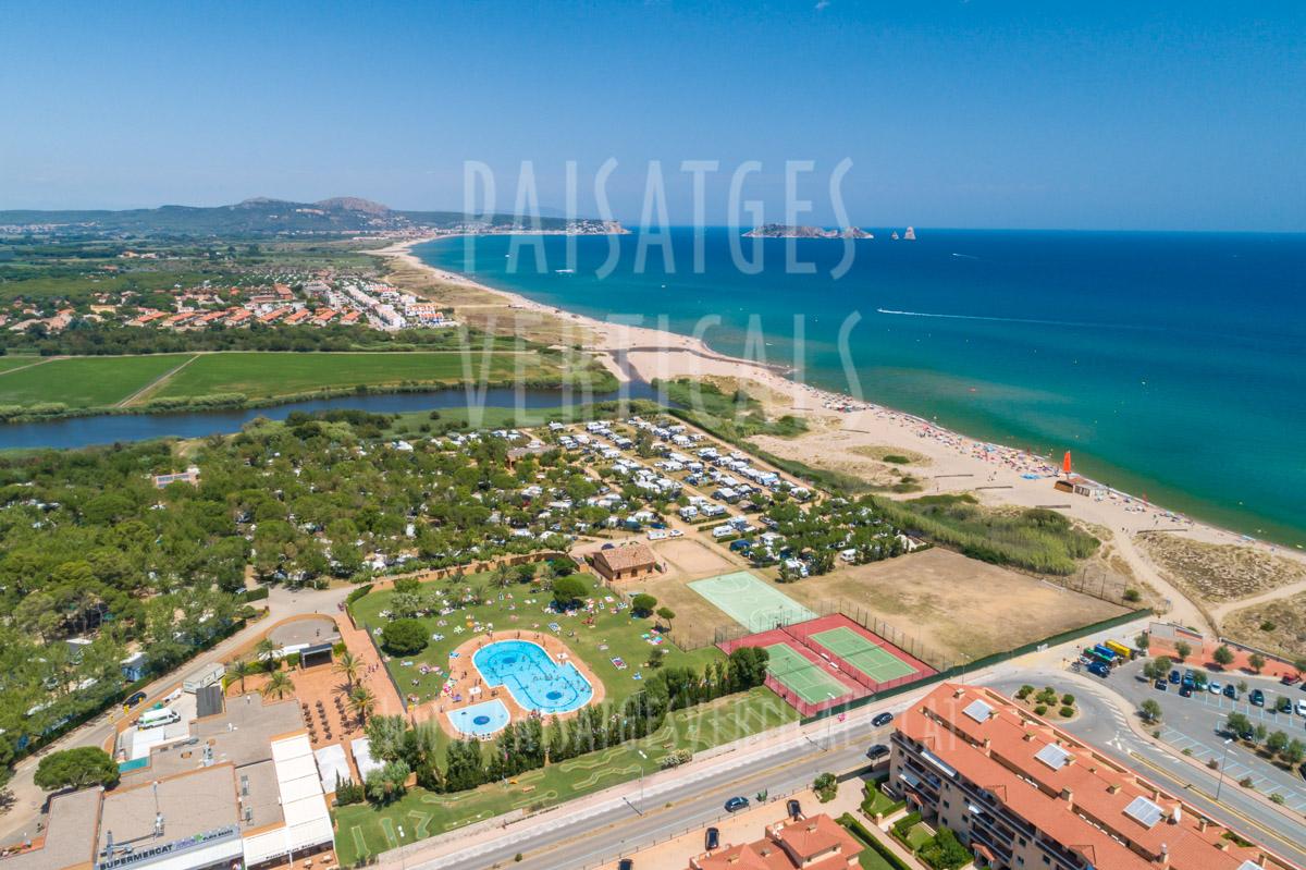 Paisajes Verticales – Fotografía aérea – Camping Playa Brava (Pals, Costa Brava)